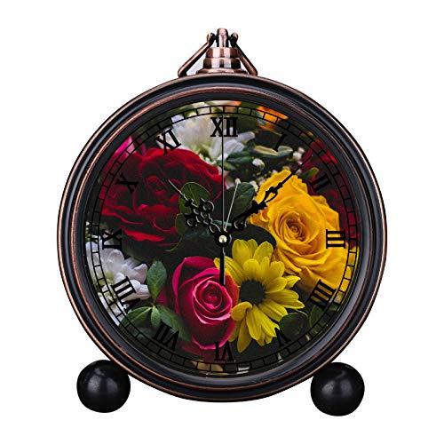 Europese retro wekker, rond, stijlvol kwartshorloge, eenvoudig hoofdeinde, digitale wekker, vakantiegeschenk klok close-up, fotografie van bloemblaadjes, meerdere petaled planten in transparante glazen vaas.