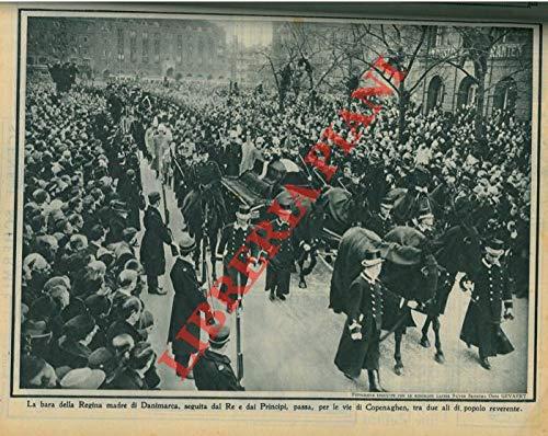 Il Primo Ministro, Mussolini, alla tribuna, nell'annuale dei Fasci di Combattimento, a Roma. Una pausa, durante il discorso, mentre echeggia il poderoso Òalala'Ó delle migliaia di ascoltatori.