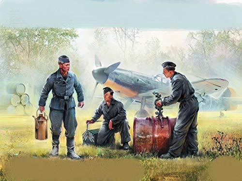 ICM 32109-1/32 German Luftwaffe Ground Personnel (1939-1945) 3 Figures