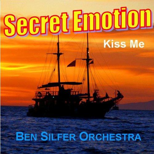 Secret Emotion / Kiss Me
