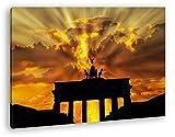 deyoli Brandenburger Tor mit Sonnenstrahlen im Format: