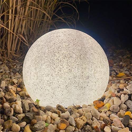 Luz LED de jardín aspecto piedra mármol natural Ø20 cm. Incluye bombilla LED E27 con sensor crepuscular. Luz blanca cálida 2.700 K. Cable 2 m. con enchufe IP44. Picas incluidas