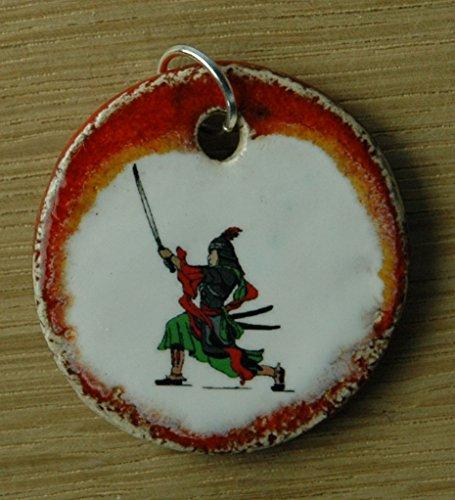 Echtes Kunsthandwerk: Hübscher Keramik Anhänger Samurai; japanischer Krieger, Japan