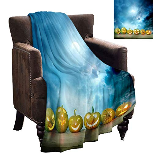 LanQiao Dog Blanket - Spooky Halloween Pumpkins on a Wooden Table - Fun Throwing Blanket Gifts 90'x60'