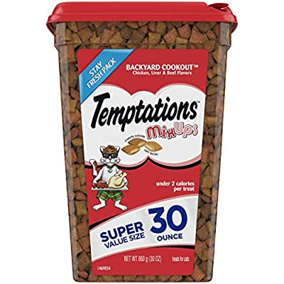 TEMPTATIONS MIXUPS Crunchy and Soft Cat Treats Backyard Cookout Flavor, 30 oz. Tub