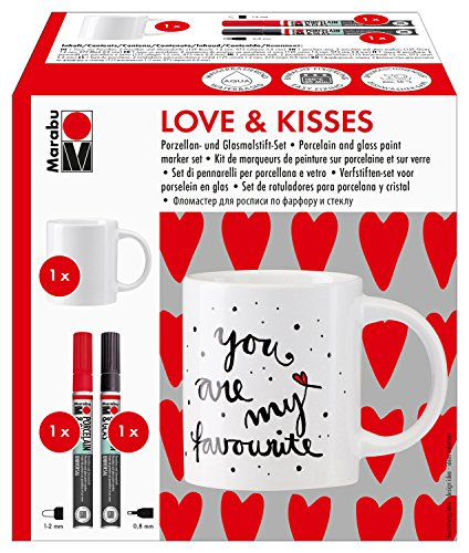 Marabu 0123000000102 - Porcelain & Glas Painter, Tassenset Love & Kisses, 1 Porzellantasse weiß + 2 Porzellan- und Glasmalstifte kirsche mit Strichstärke 1 - 2 mm und schwarz mit Strichstärke 0,8 mm
