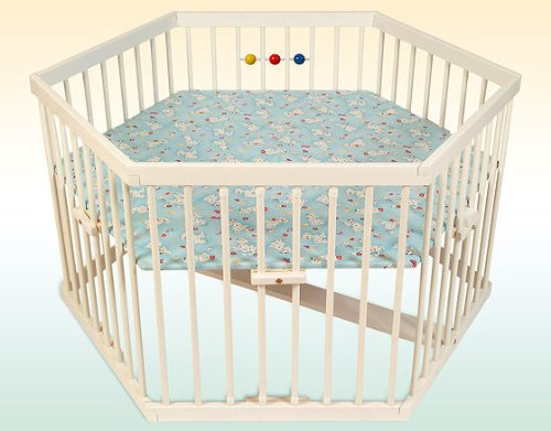 Kidsmax Laufgitter Laufstall Sahra 6-Eck weiß lackiert inkl. Holzkugeln Polsterboden, Schlupfsprossen, Höhenverstellung und Rollen