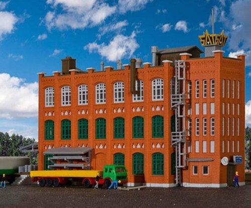 Kibri 6762 - Bausatz Fabrik aus der Gründerzeit mit Zubehör, Spur Z
