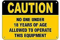 許可された年数の下での注意この機器の操作壁錫サイン金属ポスターレトロプラーク警告サインヴィンテージ鉄絵画の装飾オフィスの寝室のリビングルームクラブのための面白い吊り下げ工芸品