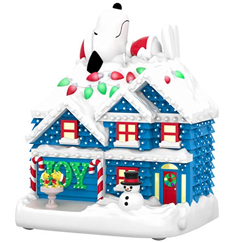 Hallmark Keepsake The Peanuts Gang Snoopy The Merriest House in Town Musical Ornament with Light (Plays Linus and Lucy