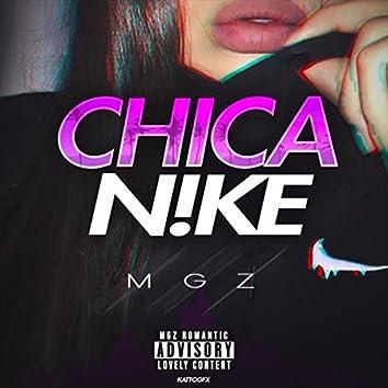 Chica Nike