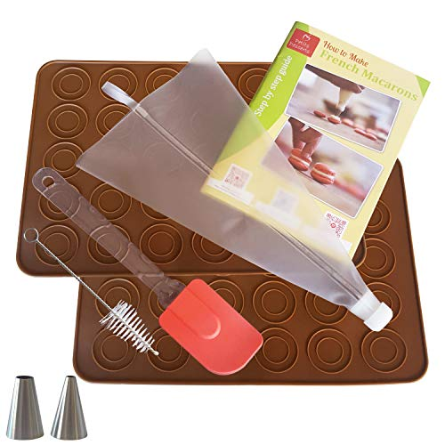 Macaron Baking Kit | French Macaroon Making TAILORED FOR STARTERS - Set with 2 Silicone Mats, Piping Bag, Silicon Spatula, and Angled Icing Spatula | FREE STEP BY STEP GUIDE - Easy Learning