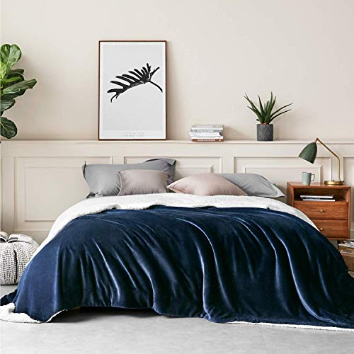 Bedsure Sherpa Fleece Bed Blankets Queen Size - Navy Blue Thick Fuzzy Warm Soft Large Queen Blanket for Bed, 90x90 Inches