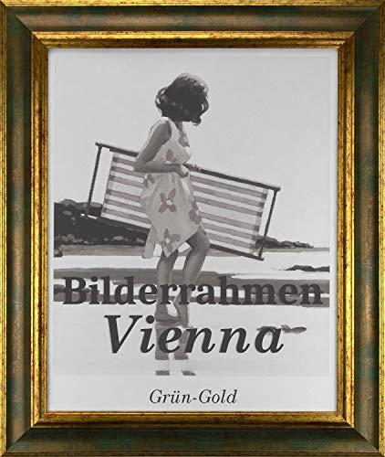Homedeco-24 Bilderrahmen Vienna aus Massivholz 28 x 36 cm in Grün Gold mit Antireflex-Acrylglas 1mm