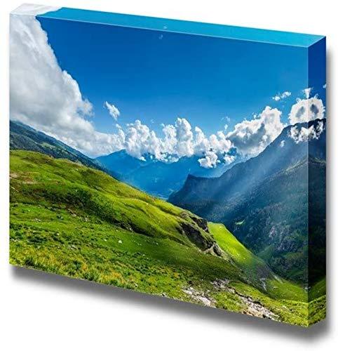 Panorama de la montaña de la pradera alpina pacífica en el Himalaya con rayos de sol para la oficina o - Arte de la pared del arte de la lona-18×12inch