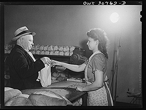 1943 Photo Purchasing bread in a Lithuanian bakery. The bread in the foreground is Lithuanian rye. Pittsburgh, Pennsylvania Location: Allegheny County, Pennsylvania, Pittsburgh