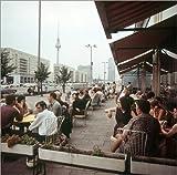 Poster 100 x 100 cm: DDR - Berlin Mokka-Milch-Eisbar 1969 von Klaus Morgenstern/ddrbildarchiv.de - hochwertiger Kunstdruck, neues Kunstposter