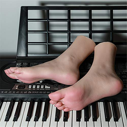 YH-foot Silikon Füße Modell, Dies ist eine schöne Replik des weiblichen Fußes in Größe 36A mit Knochendesign, die den realistischen Schönheitsfüßen von 1: 1 entspricht.
