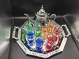 Juego de té marroquí Completo, Tetera induccion con Filtro Integrado 1.6L + Bandeja 42cm plateada hexagonal con asas + 8 Vasos de cristal coloridos + cuchara de madera para el te