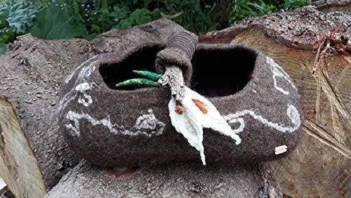 Korb gefilzt nassgefilzt Filzkorb mit Treibholz und Calla
