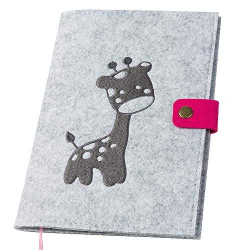 U-Hefthülle bestickt mit Giraffe aus Filz hellgrau/pink (Farbe wählbar) | Organizer Tasche für Baby mit farbigem Druckknopf Uhefthülle Untersuchungsheft U-Heft Impfpass