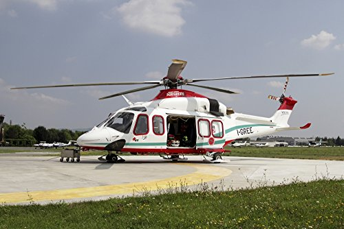 The Poster Corp Luca Nicolotti/Stocktrek Images – AgustaWestland AW139 Air Ambulance. Photo Print (43,18 x 28,70 cm)