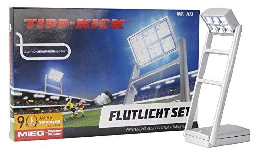 TIPP-Kick - TIPPKICK - 4 Masten mit jeweils 6 LED Lichtern beleuchten das Spielfeld