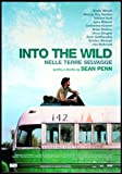 Close Up Into The Wild Poster (101x71 cm) gerahmt in: