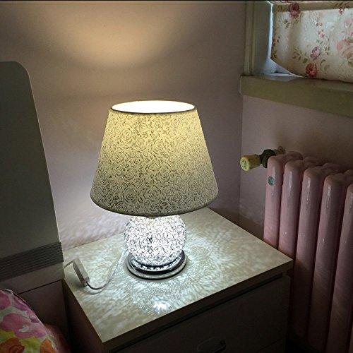 Chambre à coucher moderne Lampe de table LED Fil d'aluminium Base PVC Lampshade Study Room Bureau Lights Design simple cadeau de mariage des lampes de table créatifs (L – L)