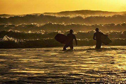 Marion Owen/Design Pics – Body Surfers on The Coast of Kodiak Island During Late Afternoon Pasagshak State Park Kodiak Island Alaska Photo Print (96,52 x 60,96 cm)