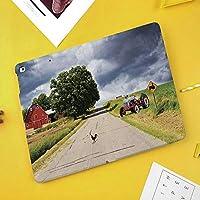 iPad Mini ①/②/③ ケース 超薄型 超軽量 TPU ソフト PUレザー スマートカバー 二つ折り スタンド スマートキーボード対応 キズ防止 納屋と嵐の日の側にトラクターで田舎道の農家