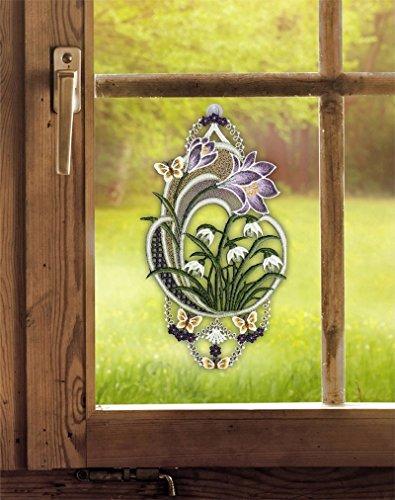 Fensterdekoration von ars-vivendi Fensterbild Krokus 18 x 31 cm (BxH) echte Plauener Spitze inkl. Saughaken Frühlingsdeko/Osterdeko