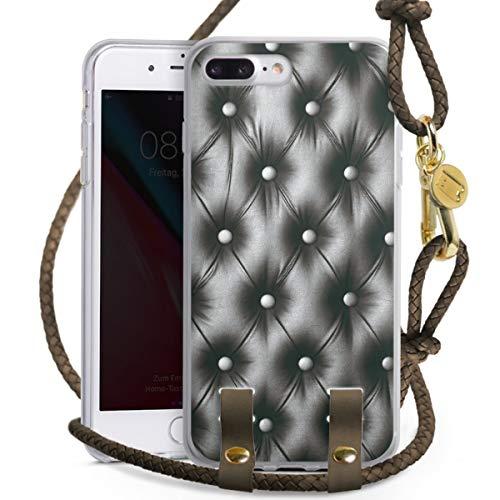 DeinDesign Carry Case kompatibel mit Apple iPhone 7 Plus Hülle mit Kordel aus Leder Handykette zum Umhängen Taupe Gold Polster Leder Couch