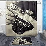 Donola Zenith Kamera-Duschvorhang-Set mit Badvorleger, Badvorleger, Teppich-Set für Badezimmerdekoration – 152,4 x 182,9 cm, 59,9 x 39,9 cm