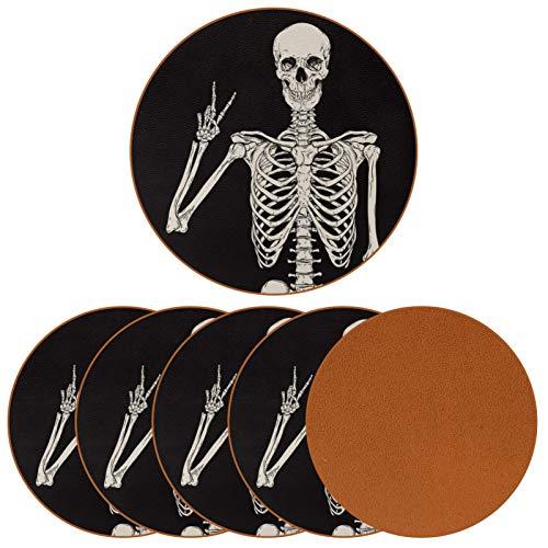 BENNIGIRY Esqueleto Humano posando Posavasos de Cuero Tapetes Redondos Resistentes al Calor para Tazas Taza de café Tapetes Individuales para Tazas de Vidrio, 6 Piezas