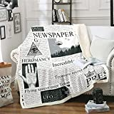 Loussiesd Antiguo periódico Sherpa manta de forro polar estilo retro para cama sofá manta de felpa vintage ultra suave decoración cálida manta blanca y negra King 87 x 94 pulgadas