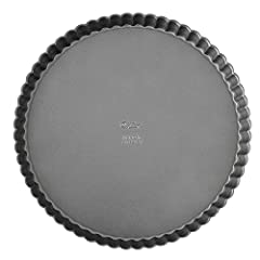 Fluted edge tart pan and quiche pan with removable bottom Made of steel; non-stick coating for easy release and quick cleanup 9 in. dia. x 1 in. (22.8 cm diam x 2.8 cm) Limited 10-year warranty Dishwasher safe; however for best results, wash in warm,...