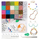 Mengxin 7500 Pezzi 15 Colori 3mm Perline Vetro per Bigiotteria Fai da Te Perline Colorate Lettere con Elastic Thread Kit Creare Gioielli per Braccialetti, Collane, Bigiotteria