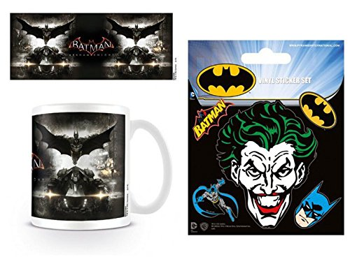 1art1 Batman, Arkham Knight, Teaser Foto-Tasse Kaffeetasse (9x8 cm) Inklusive 1 Batman Poster-Sticker Tattoo Aufkleber (12x10 cm)