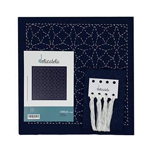 Sashiko | Kit de bordado Japonés | Tela de 68cm x 34cm pre-estampada (30cm x 30cm) | Hilo natural | Aguja | Instrucciones de bordado | Diseño Estrellas | de Delicatela (Azul Índigo)