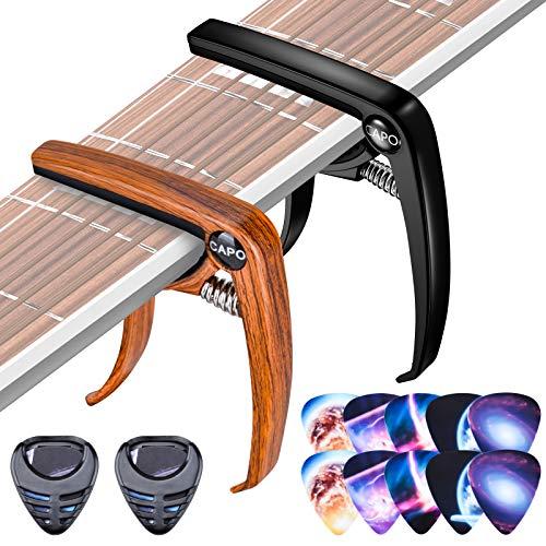Olycism 2 Piezas Cejilla de Guitarra Capo con 10 Piezas Púas de Guitarra y 2 Piezas Caja de Púas y Extractor de Pasadores de Puente para Electrica Acústica Folk Ukelele Bajo Negro y Color madera