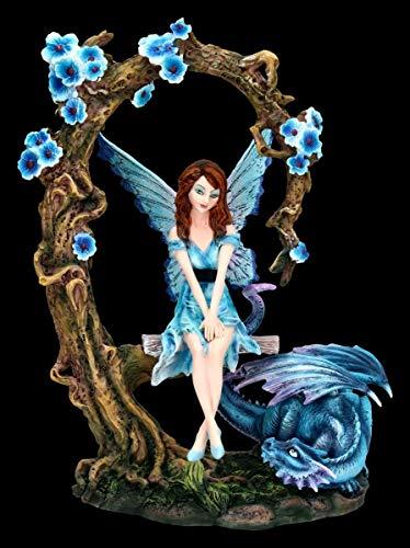 Figuren Shop GmbH Elfen Fantasy-Figur auf Schaukel mit blauen Drachen   Fee, Fairy, Engel, Deko-Figur, Deko-Artikel, Statue, Skulptur, H 27 cm