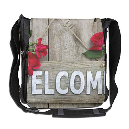 Doinh Wood welkom teken opknoping op houten deur met bloem rand van rode rozen op maat Canvas Messenger tas, ingeklemd schoudertas, geschikt voor zowel mannen als vrouwen