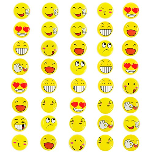 Oblique-Unique® 40 Stück Gelbe Smiley Face Anstecker / Buttons - Verschiedene Motive - mit Sicherheitsnadel hinten - kräftige Farben für Gute Laune
