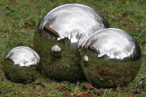 Deko Kugel aus poliertem Edelstahl für den Garten oder Teich Durchmesser 18 cm