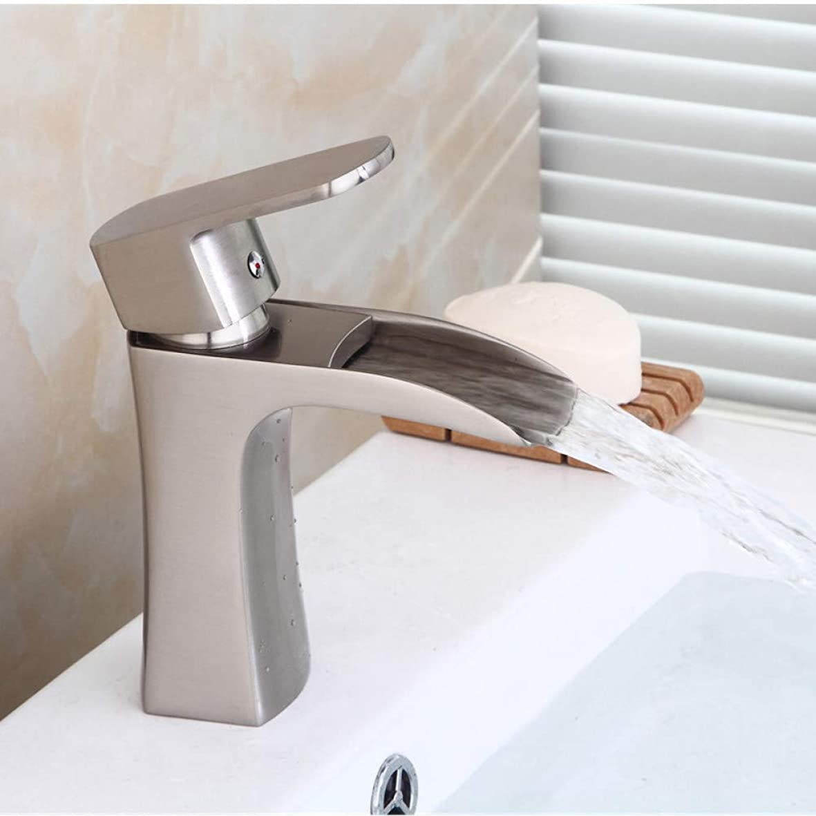 反動遅れ開発する浴室の蛇口、 キッチンバスルーム蛇口洗面の蛇口バスルームの真鍮シンクミキサータップホット&コールド滝の蛇口シングルハンドルのデッキは洗面所クレーンをマウント 蛇口