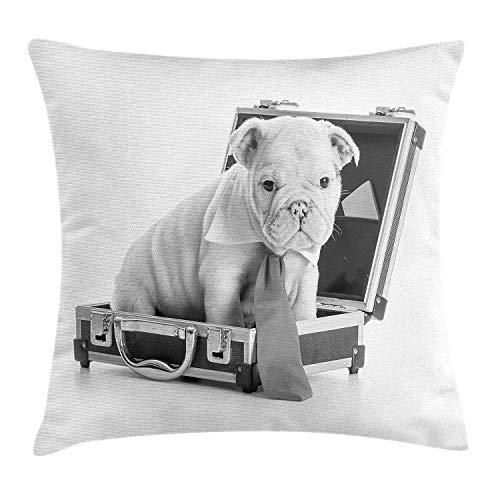 Funda de Almohada de Tiro de Bulldog inglés, Cachorro con Corbata Sentado Dentro de un maletín ilustración en Escala de Grises, 18 x 18 Pulgadas, Gris Gris pálido