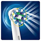 Zoom IMG-2 oral b vitality crossaction spazzolino