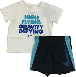 bd4e3ede35235 Nike Infant Boys High Flying gravité 2 pièces Tee Shirt et Short Ensemble  Noir Blanc