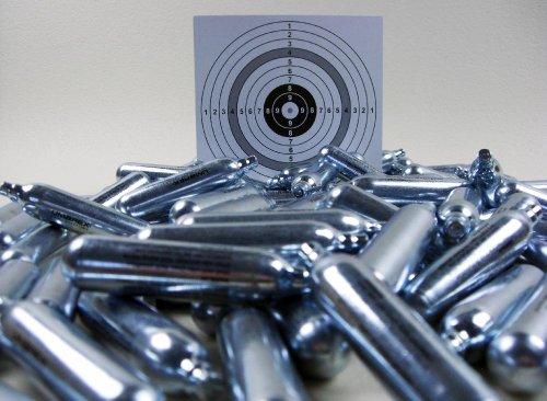 Set: 50 Softair, Airsoft Marken Co2 Kapseln 12g für Co2 Waffen + 10 ShoXx.® Shoot-Club Zielscheiben 14x14 cm mit zusätzlichen grauen Ring und 250 g/m²